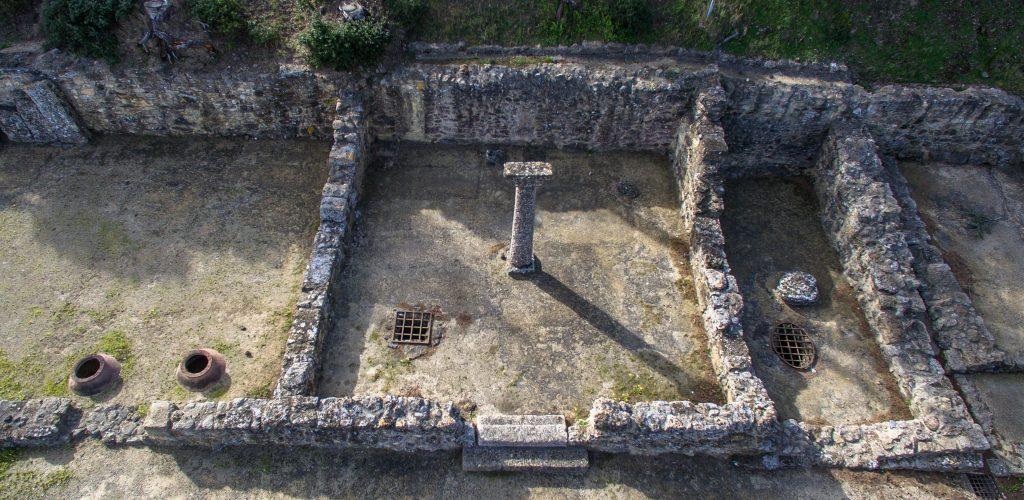 Pièce avec colonne, 2017, site d'Ensérune (34), https://www.monuments-nationaux.fr